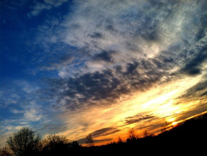 sunrise-183317_1920.jpg